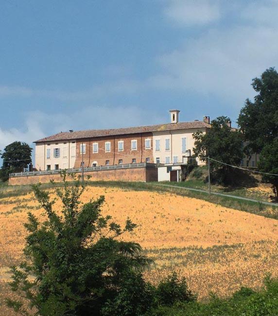 Les routes du vin, paysage de la colline lombarde près de Voghera (Pavie)