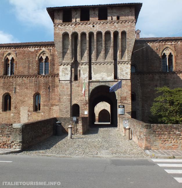 chateau de Pandino Lodi Italie tourisme voyage