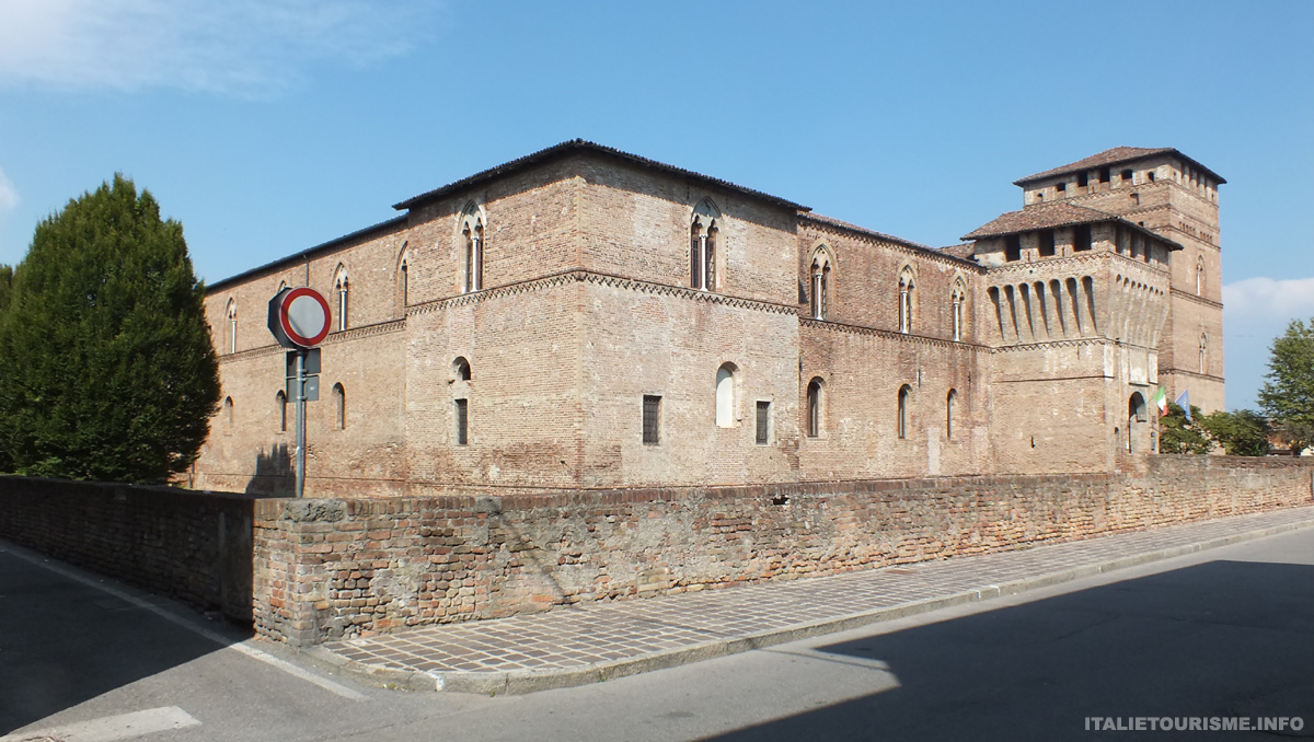chateau de Pandino