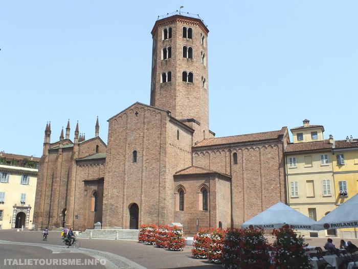 eglise de S.Antonino à Plaisance Italie tourisme