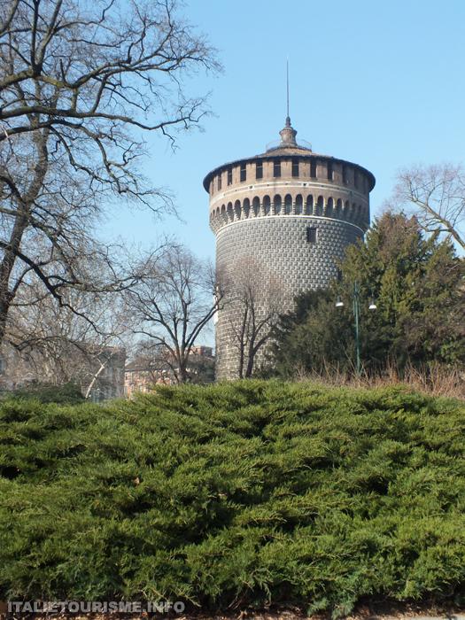 chateau des Sforza à Milan, tour