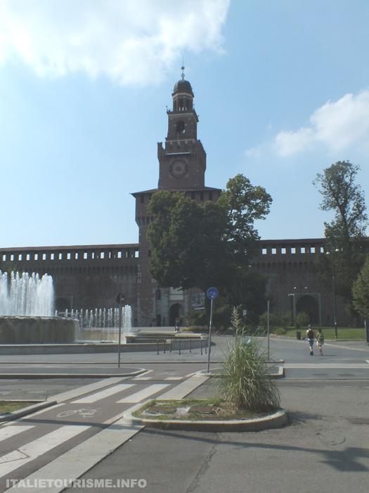 chateau Sforza Milan Italie tourisme