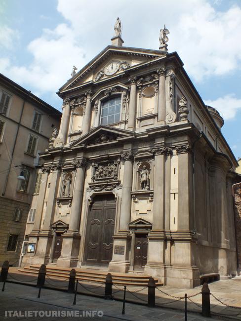 Eglise Santa Maria alla Porta Milan Italie tourisme photos baroque italien, photos de Milan