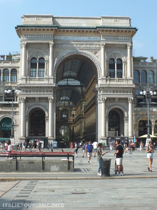 Galerie Vittorio Emanuele II Milan tourisme Italie, photos de Milan