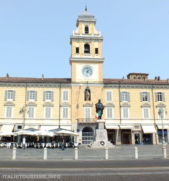 Palais du Gouverneur Parme Italie tourisme