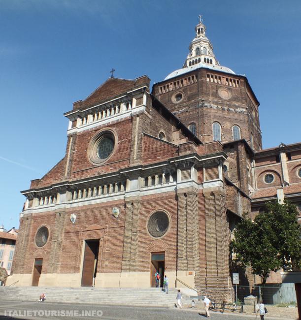 Photos pavie italie cathedrale duomo façade eglise