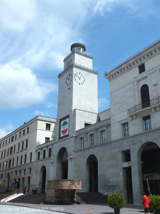 architectures rationalistes à Brescia Italie. Architecte: Marcello Piacentini