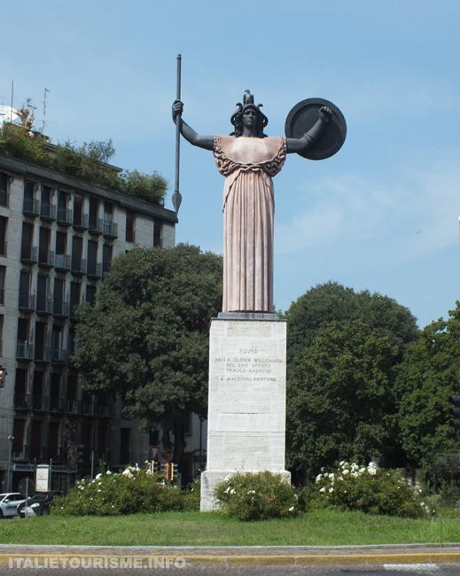 Photo statue de la Minerve Pavie Italie tourisme