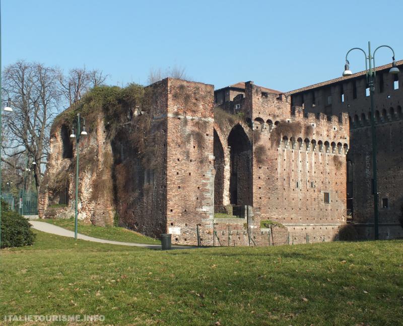 photo du chateau Sforza de Milan Italie