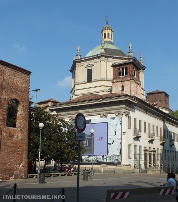 Milan photos. Basilique de Saint Laurent Milan Italie