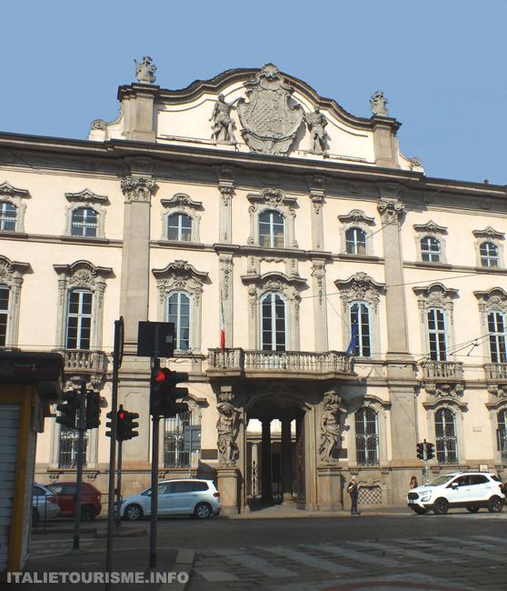 Palazzo Litta Milan Italie tourisme, Palais Litta à Milan visiter