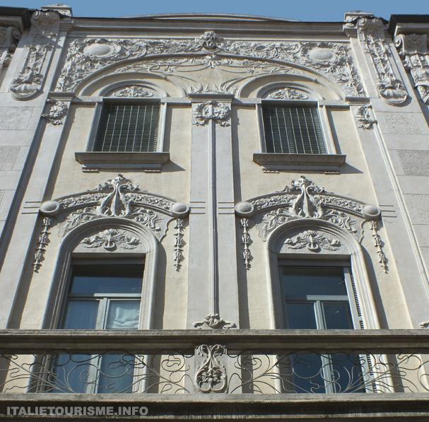 Visiter Pavie. Maisons historique. Casa Beretta 1909, art nouveau. Photos Pavie Italie