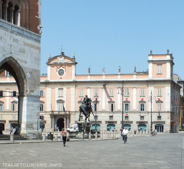 Italie tourisme Plaisance Piacenza centre ville