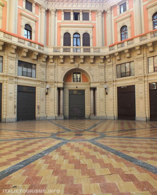 Visiter Pavie: Galerie Arnaboldi. Photos Pavie Italie