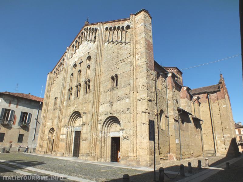 Basilique Saint Michel-majeur Pavie Italie tourisme. Guide de pavie