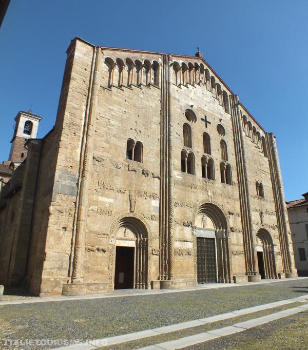 Visiter Pavie: Eglise de San Michele Maggiore. Photos Pavie Italie
