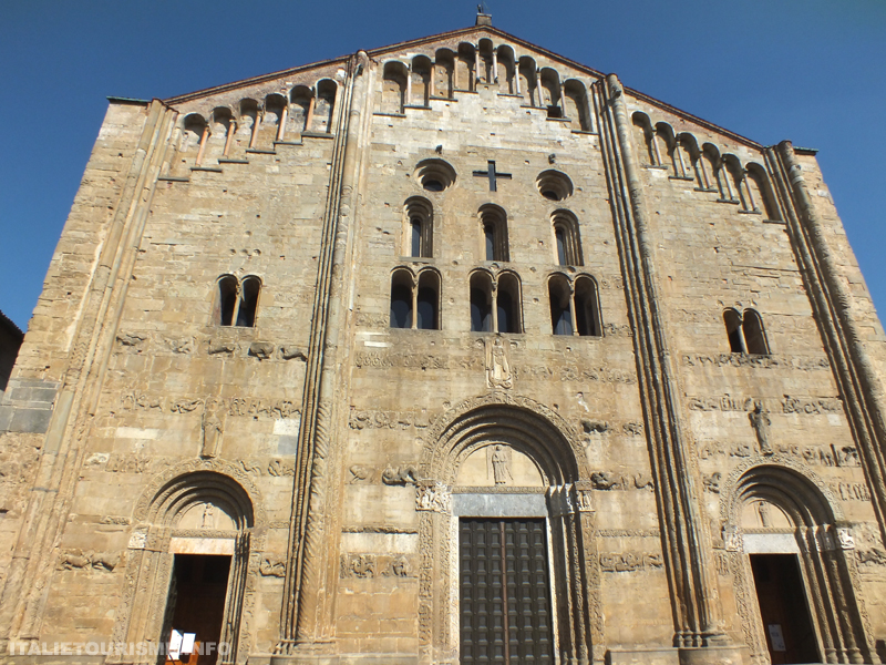 Basilique San Michele Maggiore (Saint Michel-Majeur) Pavie Italie tourisme