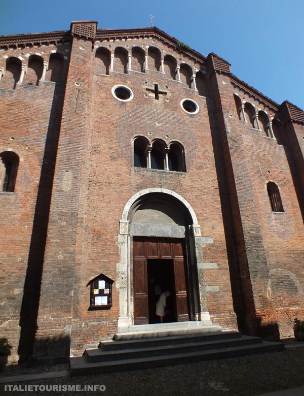 Visiter Pavie: Eglise de San Teodoro. Pavie tourisme italie