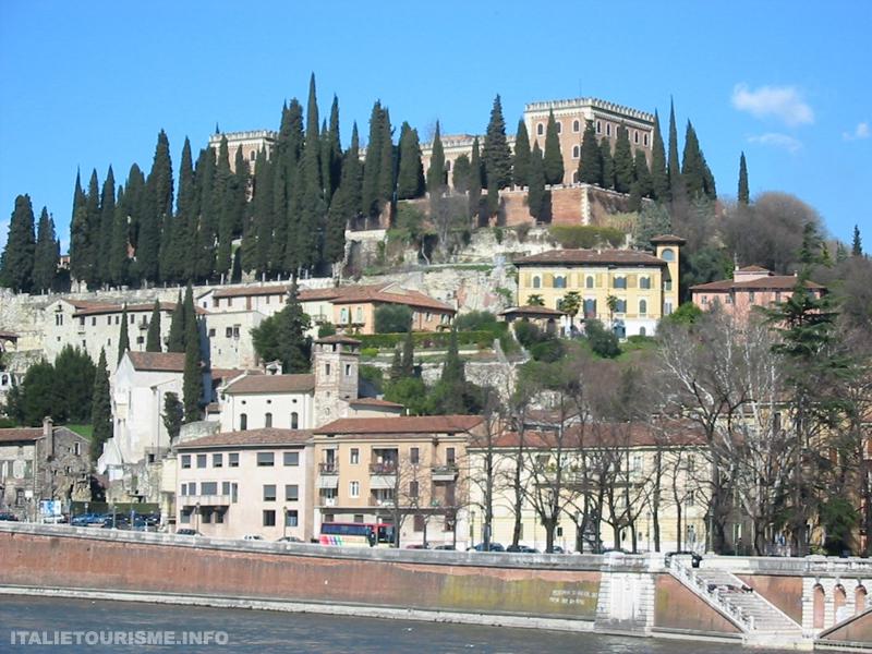 Visiter Vérone: Castel San Pietro. Vérone Italie tourisme