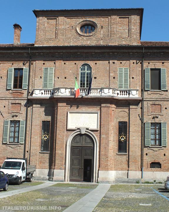 Collegio Cairoli Pavie Italie. Visiter Pavie en 1 jour. Photos de Pavie. Pavie tourisme