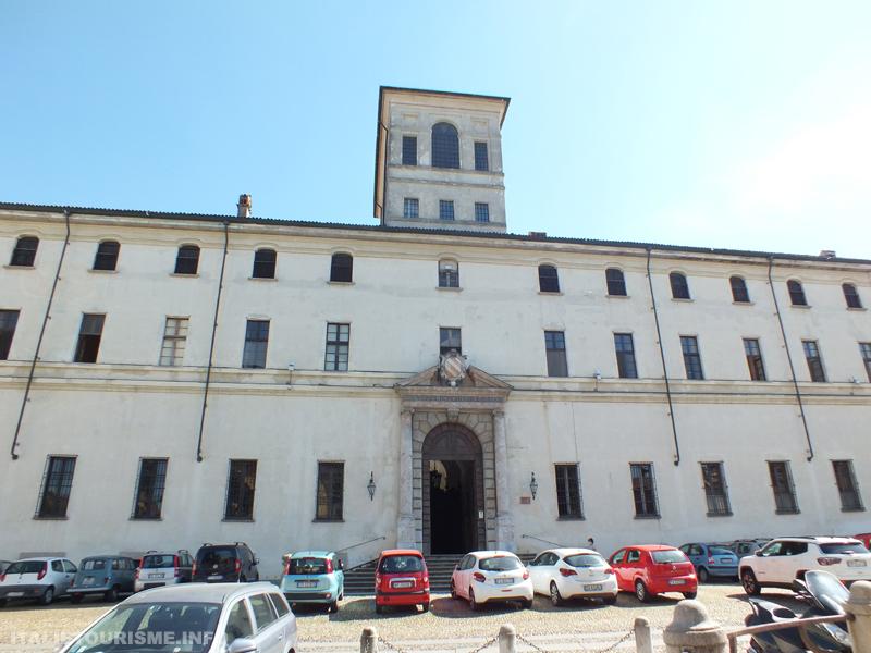 Visiter Pavie: Le Collegio Ghislieri. Pavie tourisme