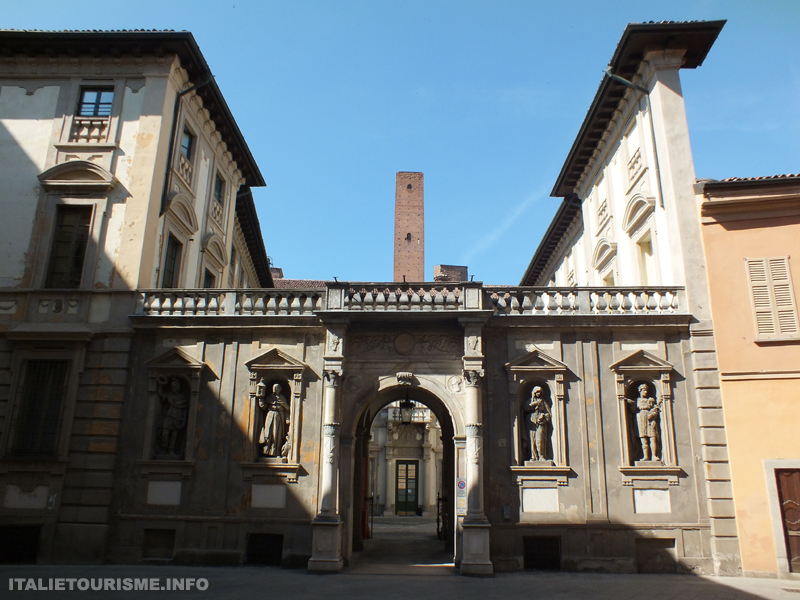 Palazzo del Maino Pavia, visiter Pavie en 1 jour. Pavie Italie tourisme