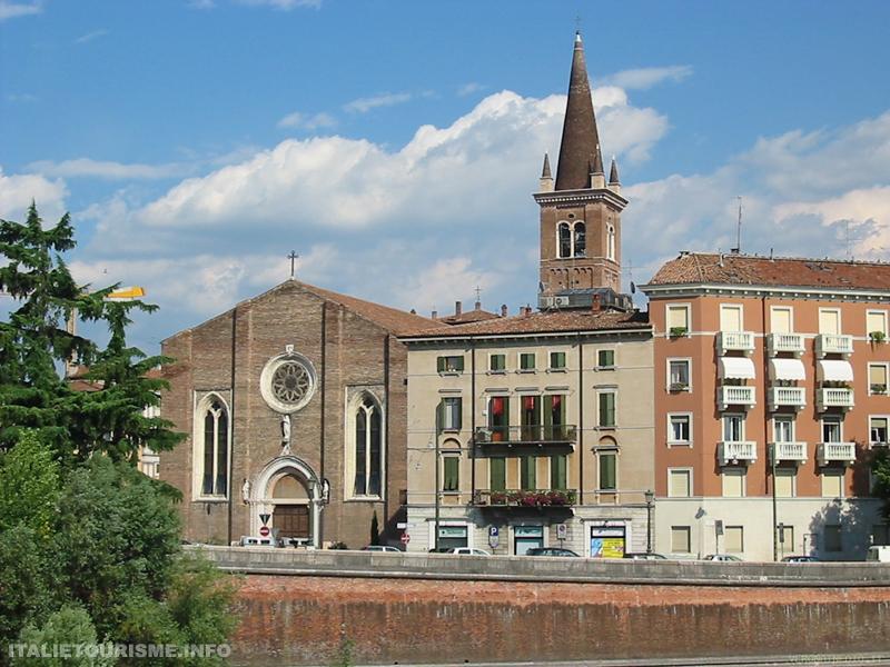 Visiter Vérone. Vérone tourisme. Eglise San Tomaso Vérone