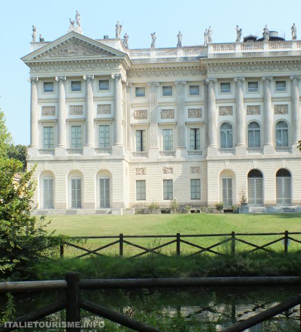 Visiter Milan: Villa Reale et ses jardins. Milan tourisme. Que voir à Milan?