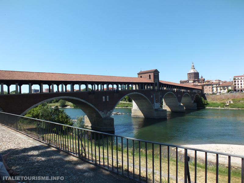 Visiter Pavie en 1 jour: le pont couvert
