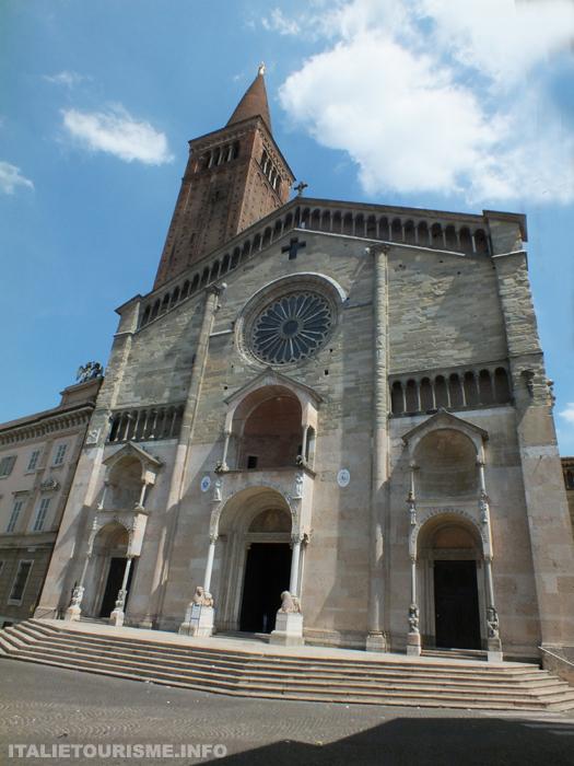 Visiter Plaisance: Cathédrale de Plaisance, Duomo di Piacenza Italie