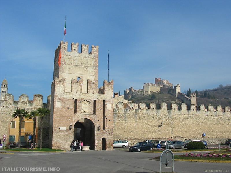 Visiter Soave Vérone Vénétie, le chateau et le vin