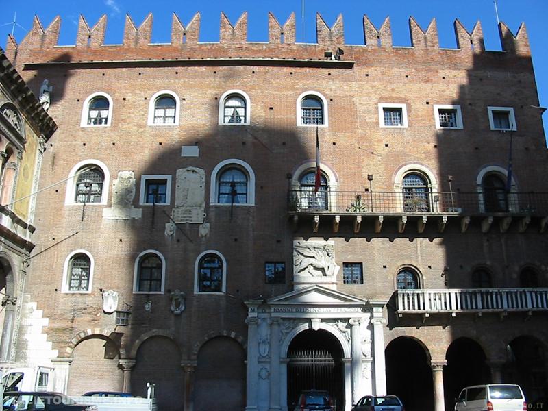 Visiter Vérone: Palazzo del Podestà Vérone Italie tourisme