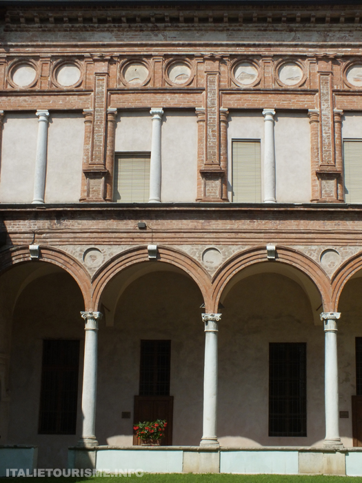 Eglise San Abbondio Crémone. Visiter Crémone en Italie