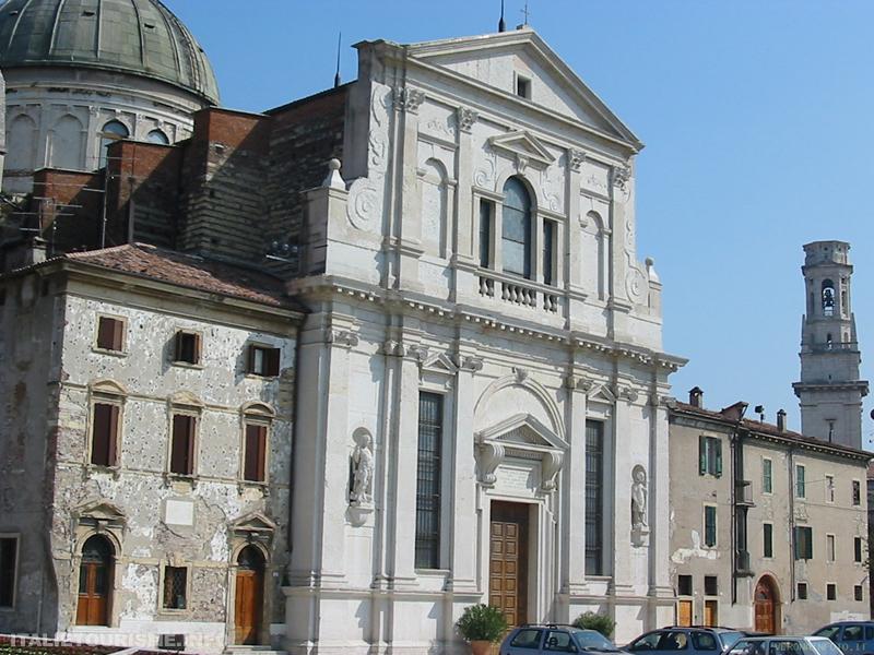 Eglise San Giorgio in Braida Vérone Italie
