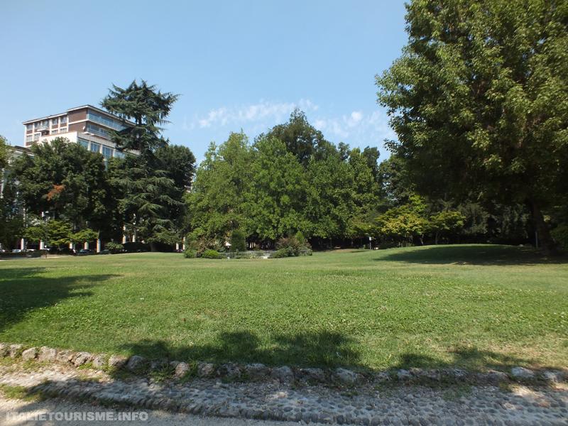 "Jardin publique ""Papa Giovanni Paolo II"" Crémone Italie"