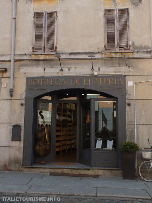 Les ateliers des luthiers Crémone Italie